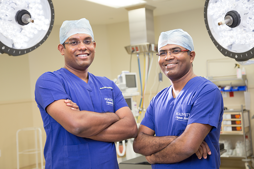 Dr-Alwin-and-Dr-Niranjan-in-OR